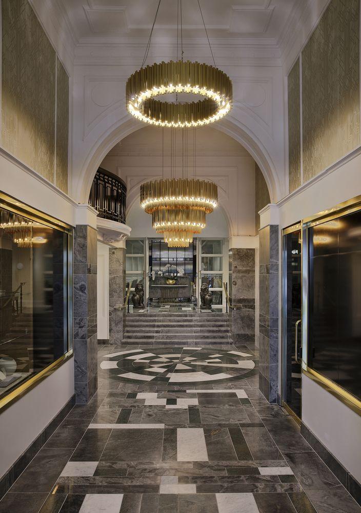 Grand Windsor Lobby
